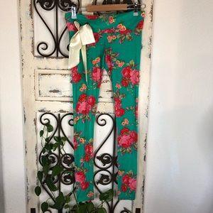 Cute booty lounge floral print leggings satin tie